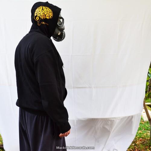 Sweat Noir Plug Your Brain1