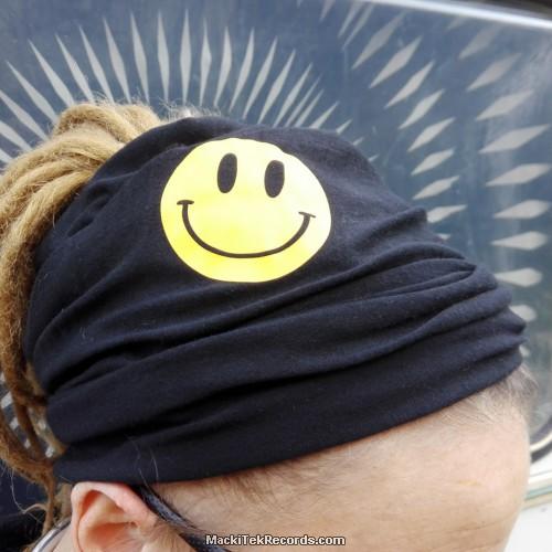 Bandeau Noir MackiTek Smiley Jaune