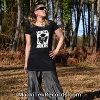 Robe Noire Vinyl Rules
