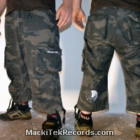 3-4 Pants Dark Camo Crop Circle 15