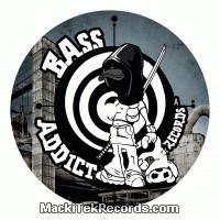 Bass Addict 33